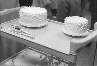 how to cut and serve tiered wedding cake how to cut a wedding cake 15619